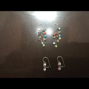 Earrings pierced with semi-precious stones